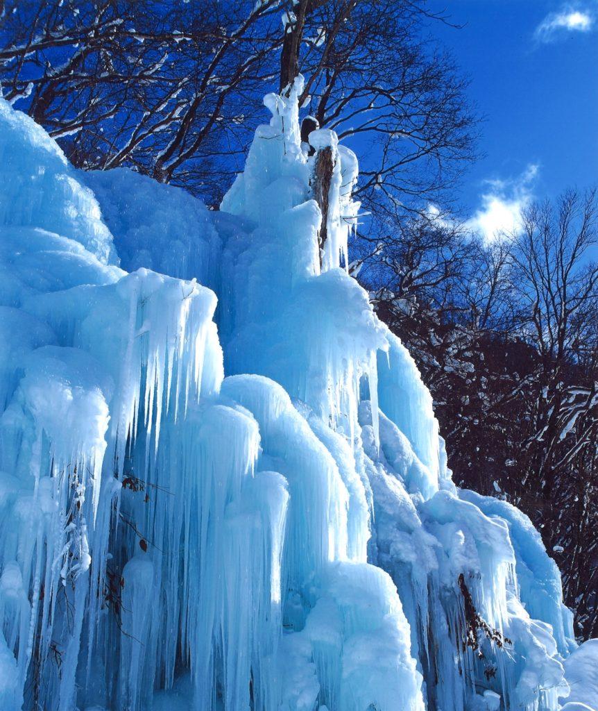 【氷の氷柱】 一ノ瀬 司  高山市