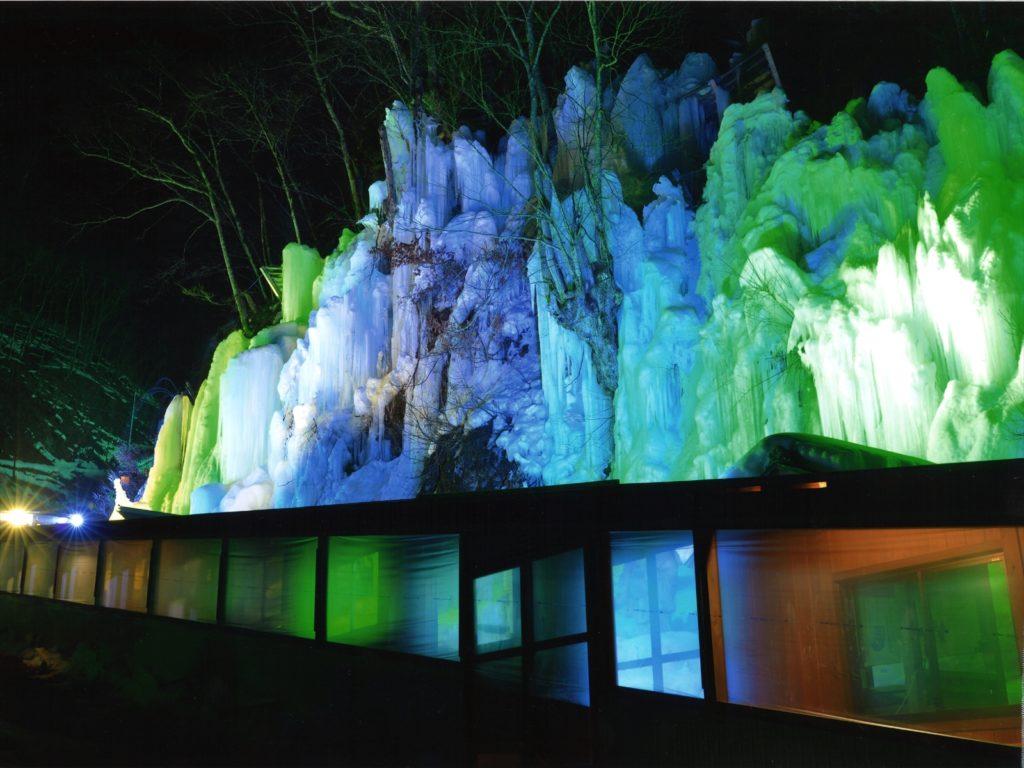 「氷の回廊」 小牧市  丹羽明仁
